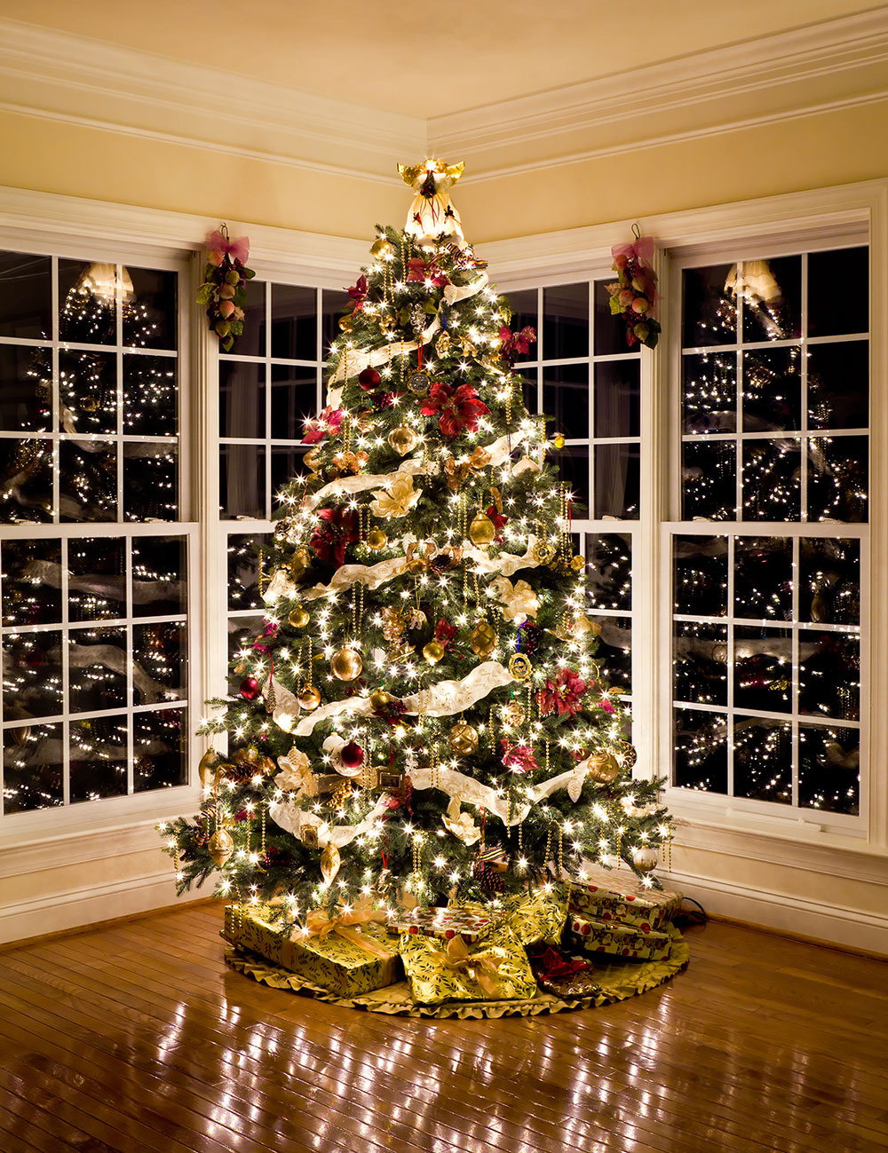 give your home the holiday look of your dreams book a consultation today - Designer Christmas Decorations